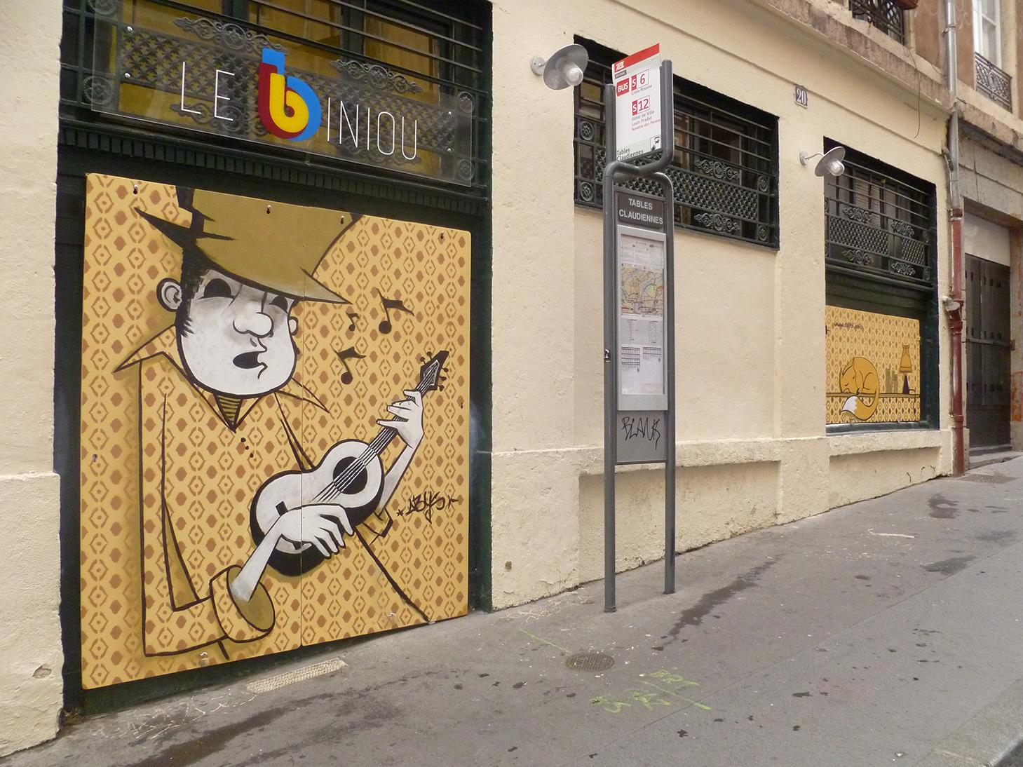 abys - da lyon -streetart deco vitrine devanture façade