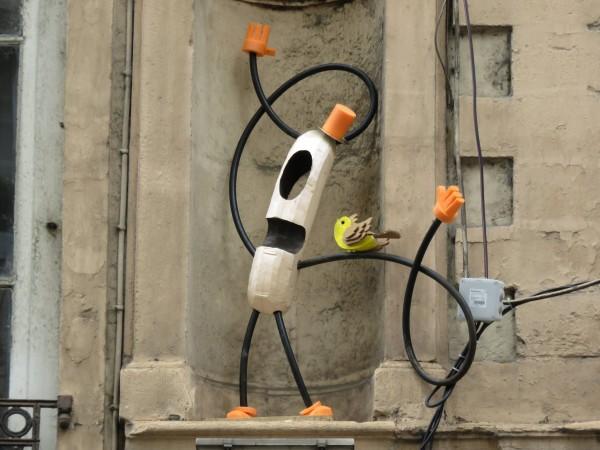 abys - da lyon -street-art sculpture wurstman bird